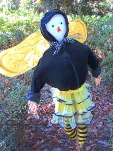 c,1992 Bee-utiful Scarecrow